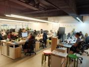 悠夏爾科技股份有限公司 - 明亮且寬敞的辦公環境,無拘束,跟家裡一樣溫馨